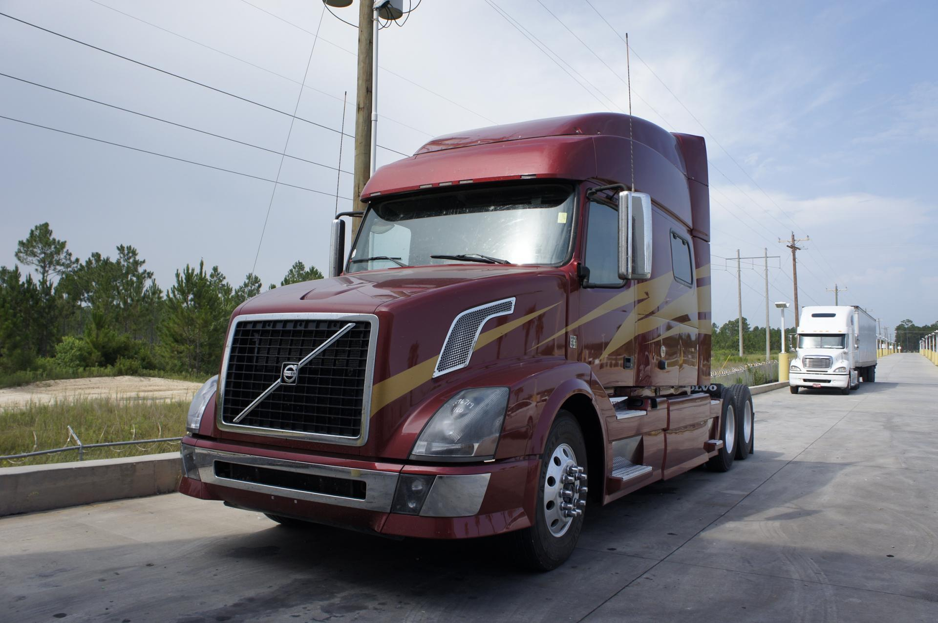 Used 2011 Volvo 730 for sale-59087096