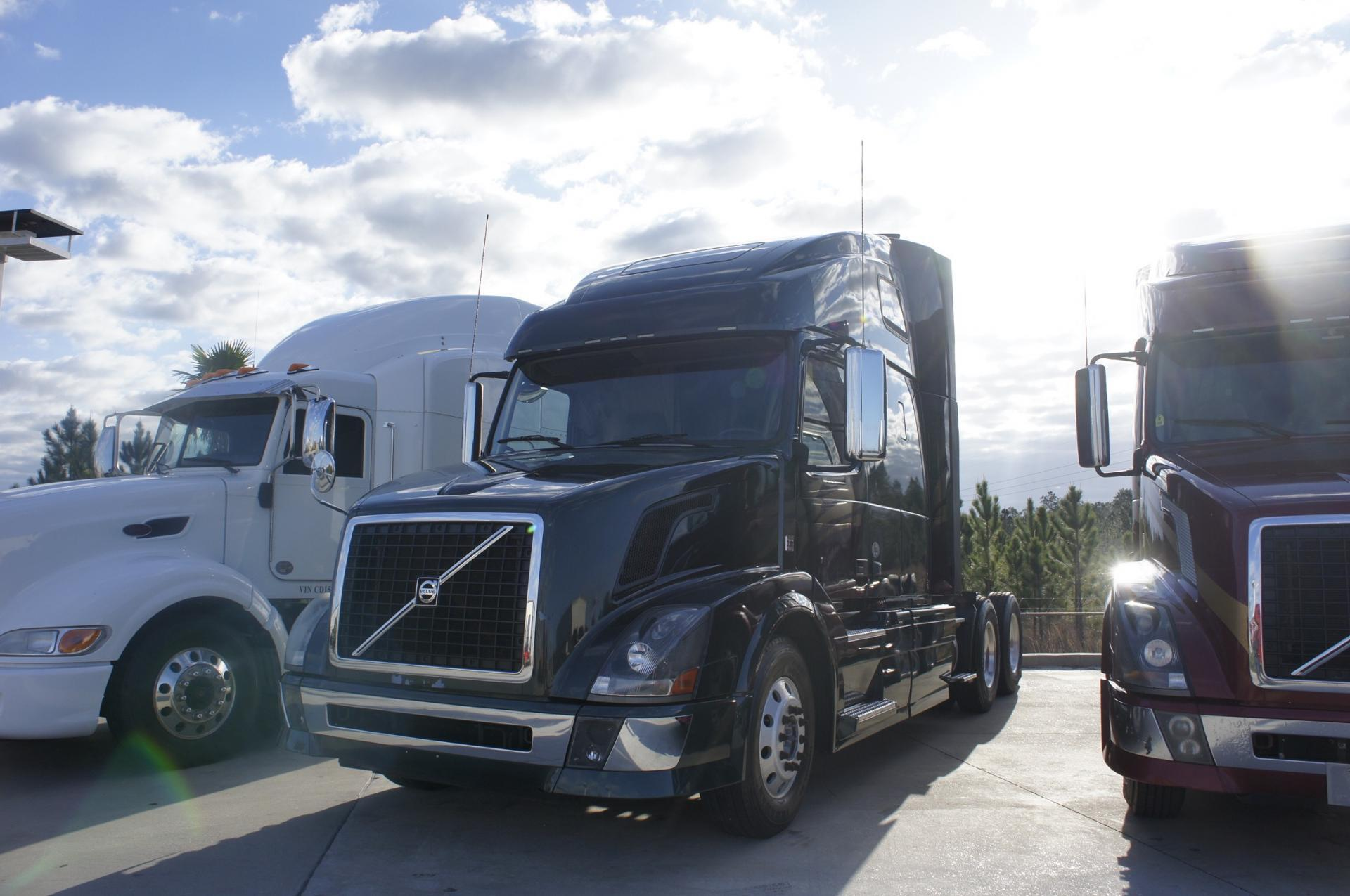 Used 2012 Volvo 670 for sale-59234783