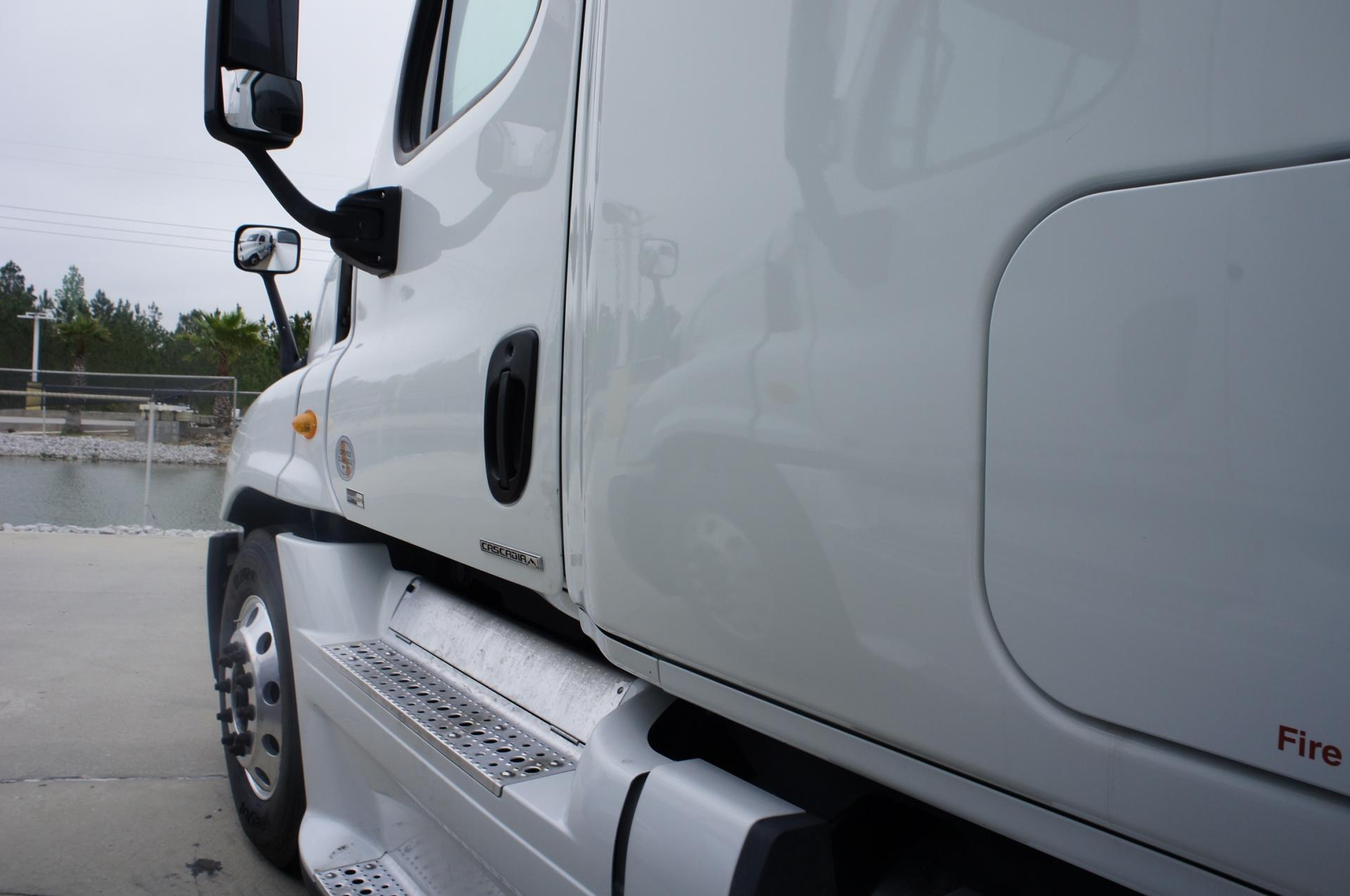 Used 2012 Freightliner Cascadia for sale-59247558
