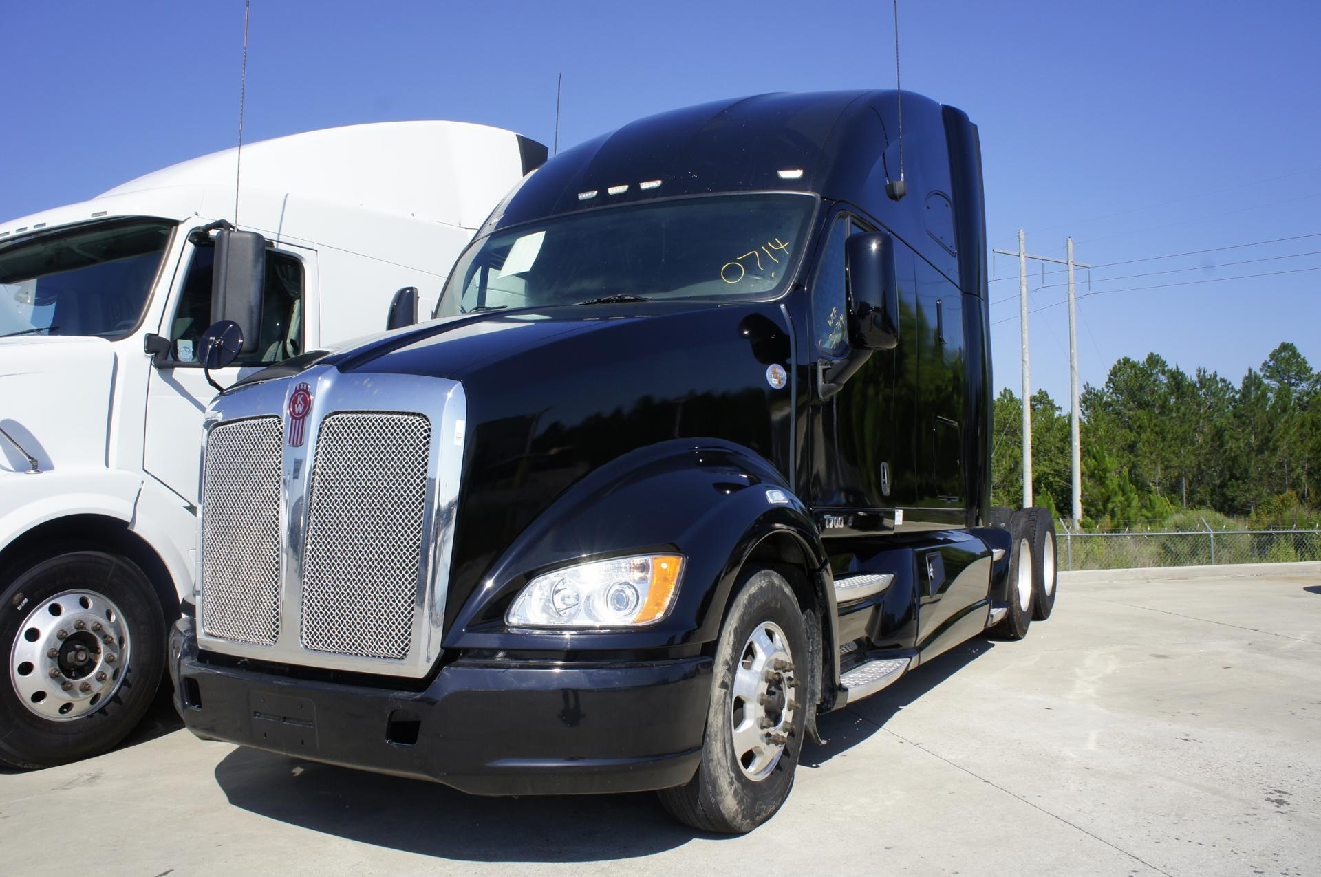 Used 2012 Kenworth T700 for sale-59198906