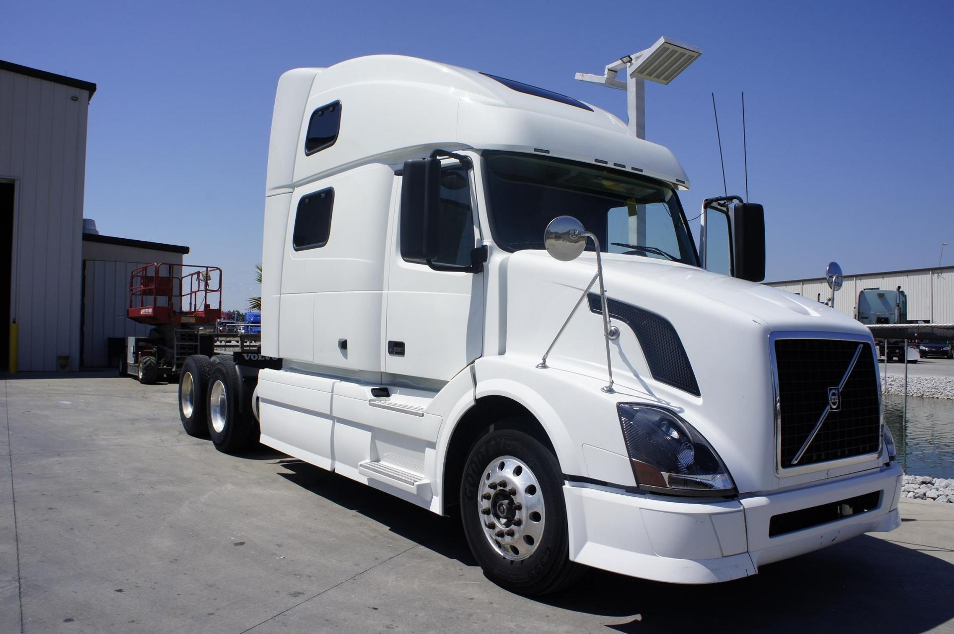 Used 2011 Volvo 780 for sale-59198847