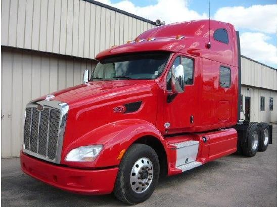 USED 2013 PETERBILT 587 DAYCAB TRUCK #136431