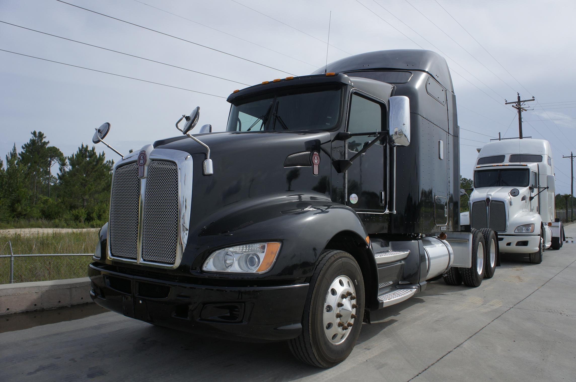USED 2011 KENWORTH T660 SLEEPER TRUCK #78722