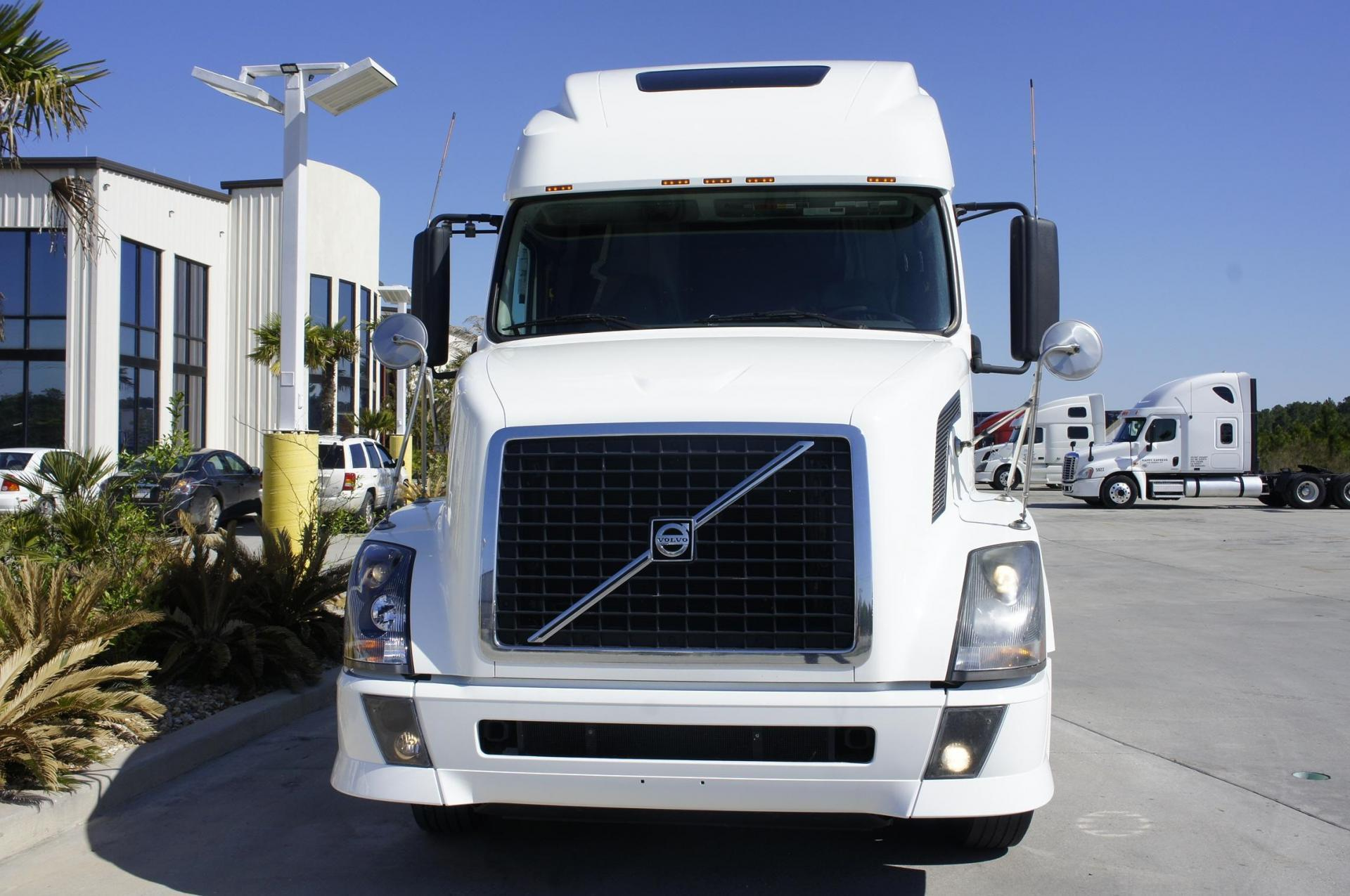Used 2012 Volvo 670 for sale-59051187