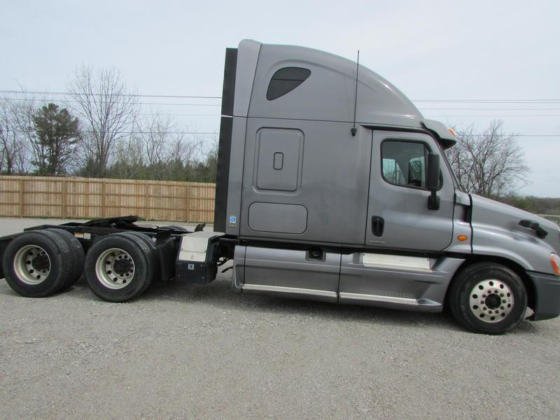 Used 2012 Freightliner Cascadia for sale-59023136