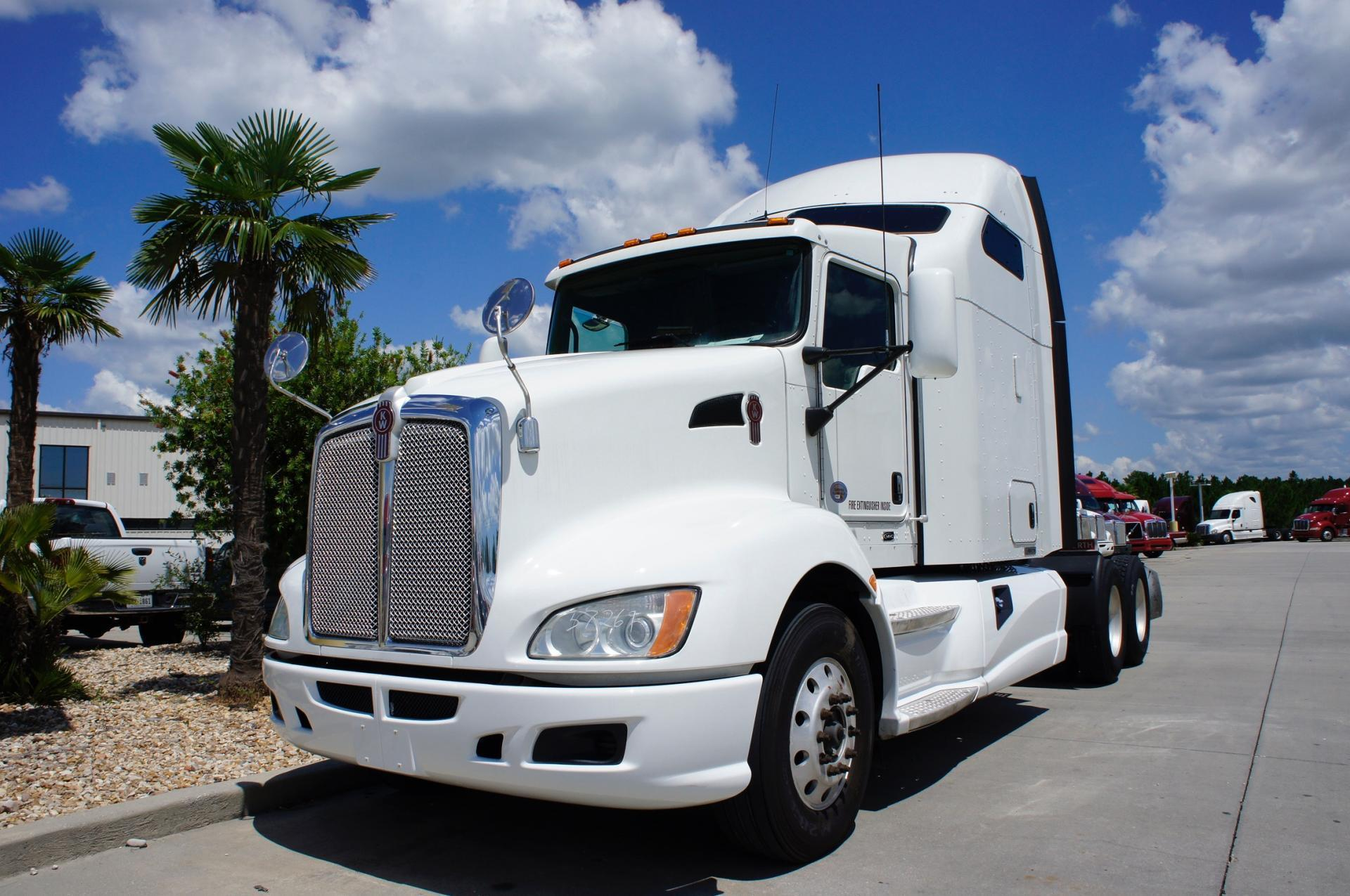USED 2013 KENWORTH T660 SLEEPER TRUCK #98029