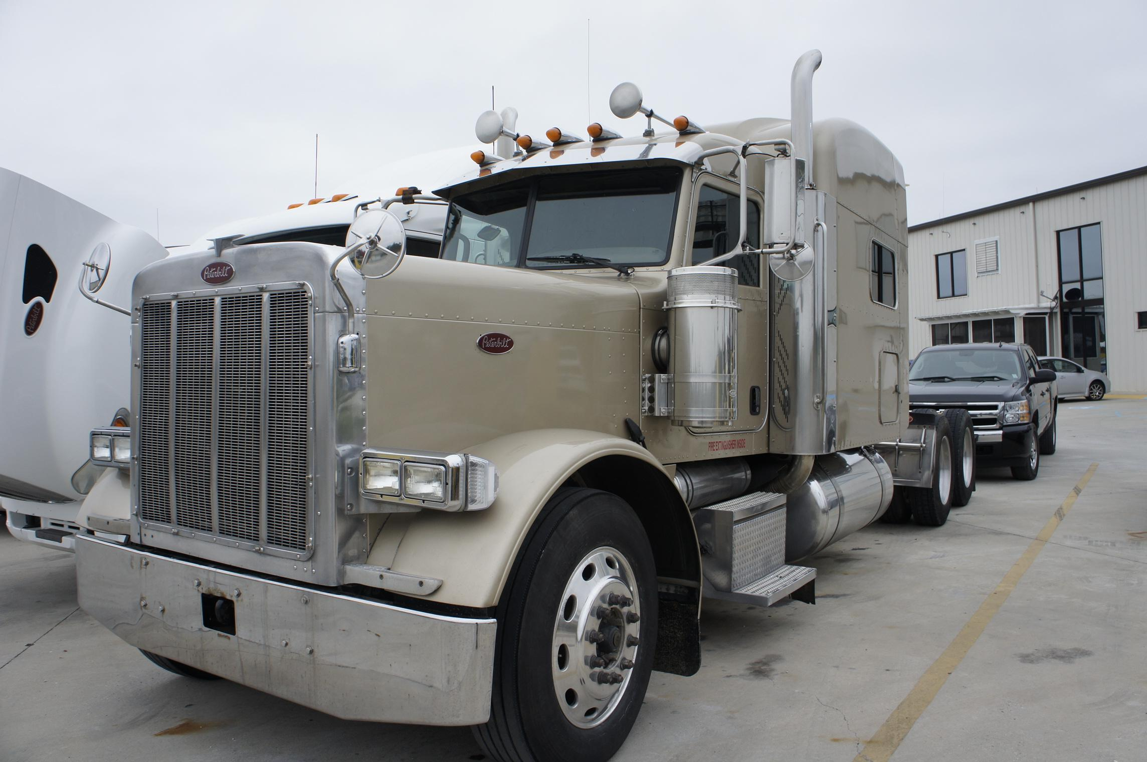 USED 2007 PETERBILT 379EXHD SLEEPER TRUCK #86921