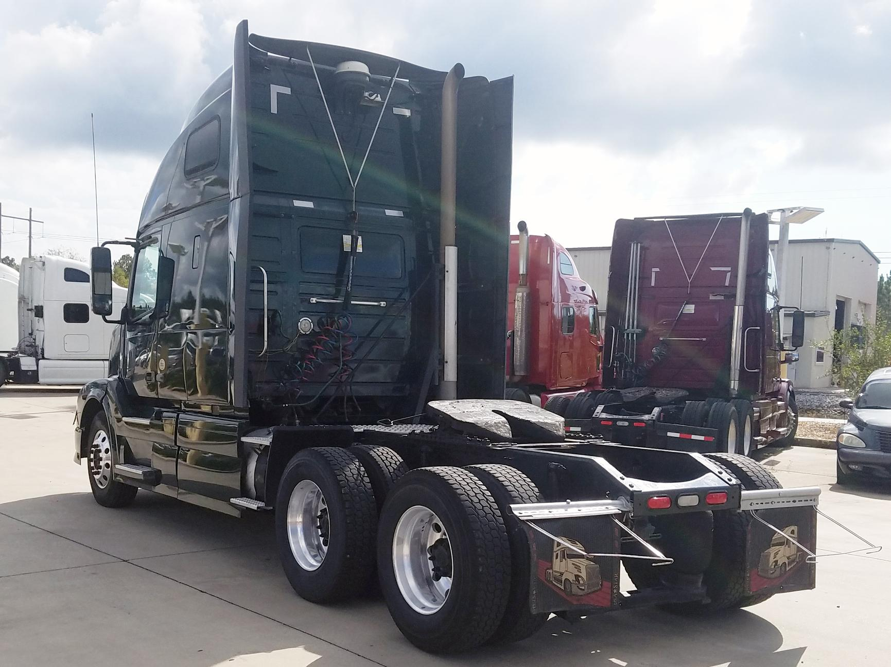 Used 2012 Volvo 670 for sale-59093937