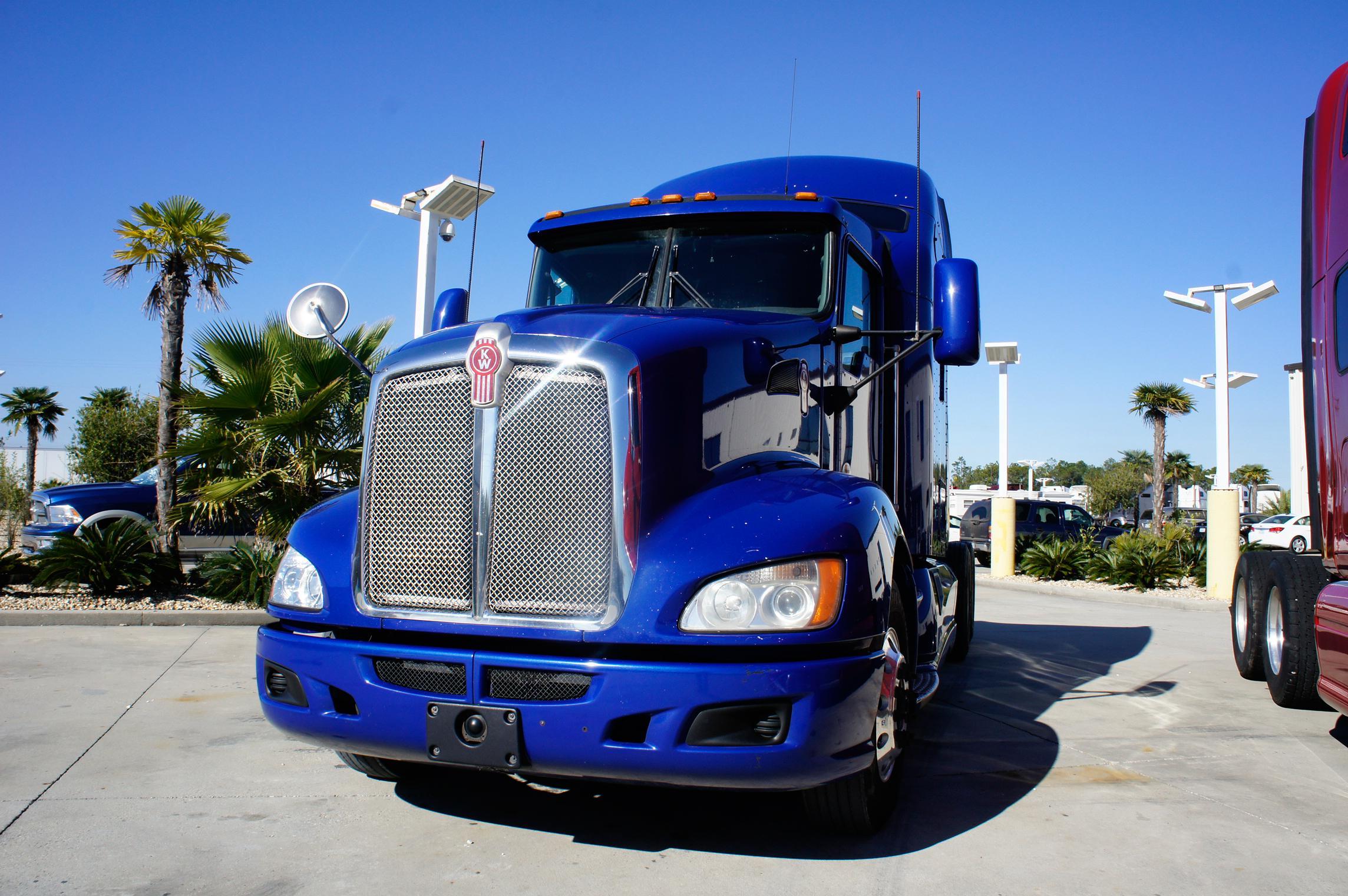 USED 2012 KENWORTH T660 SLEEPER TRUCK #92024