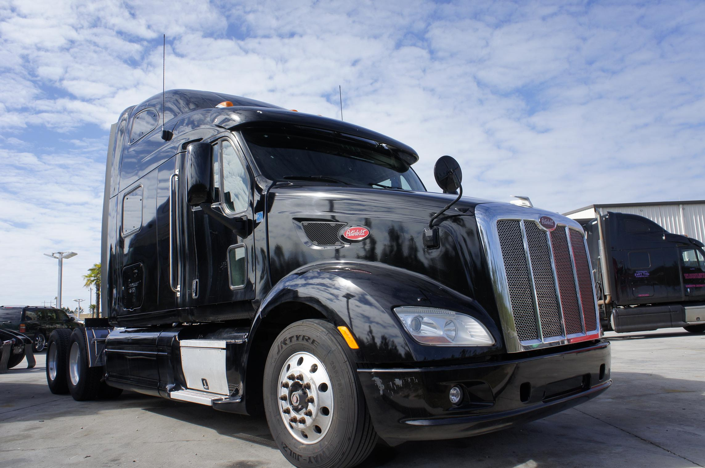 Used 2013 Peterbilt 587 for sale-59207243