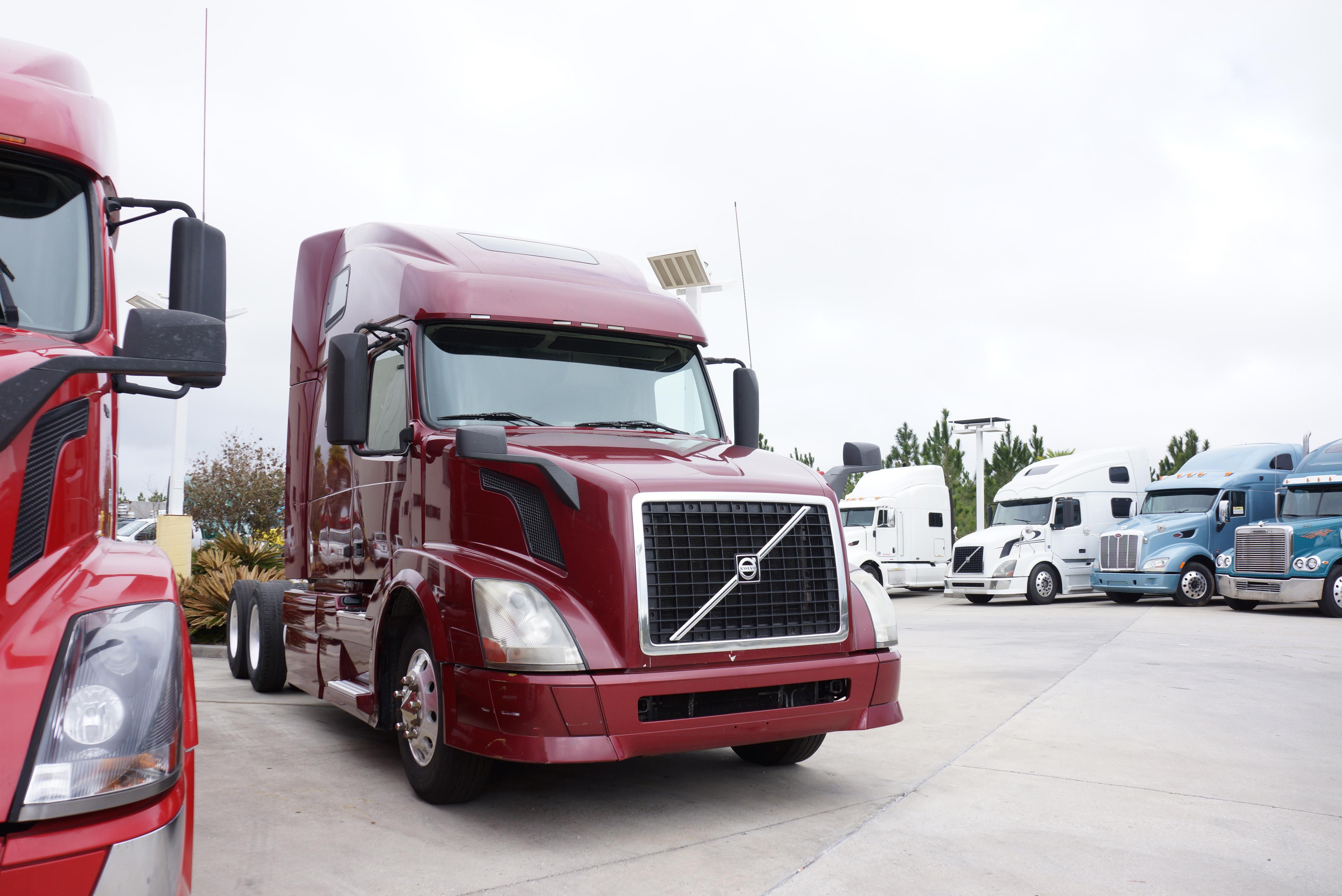 Used 2012 Volvo 670 for sale-59023124