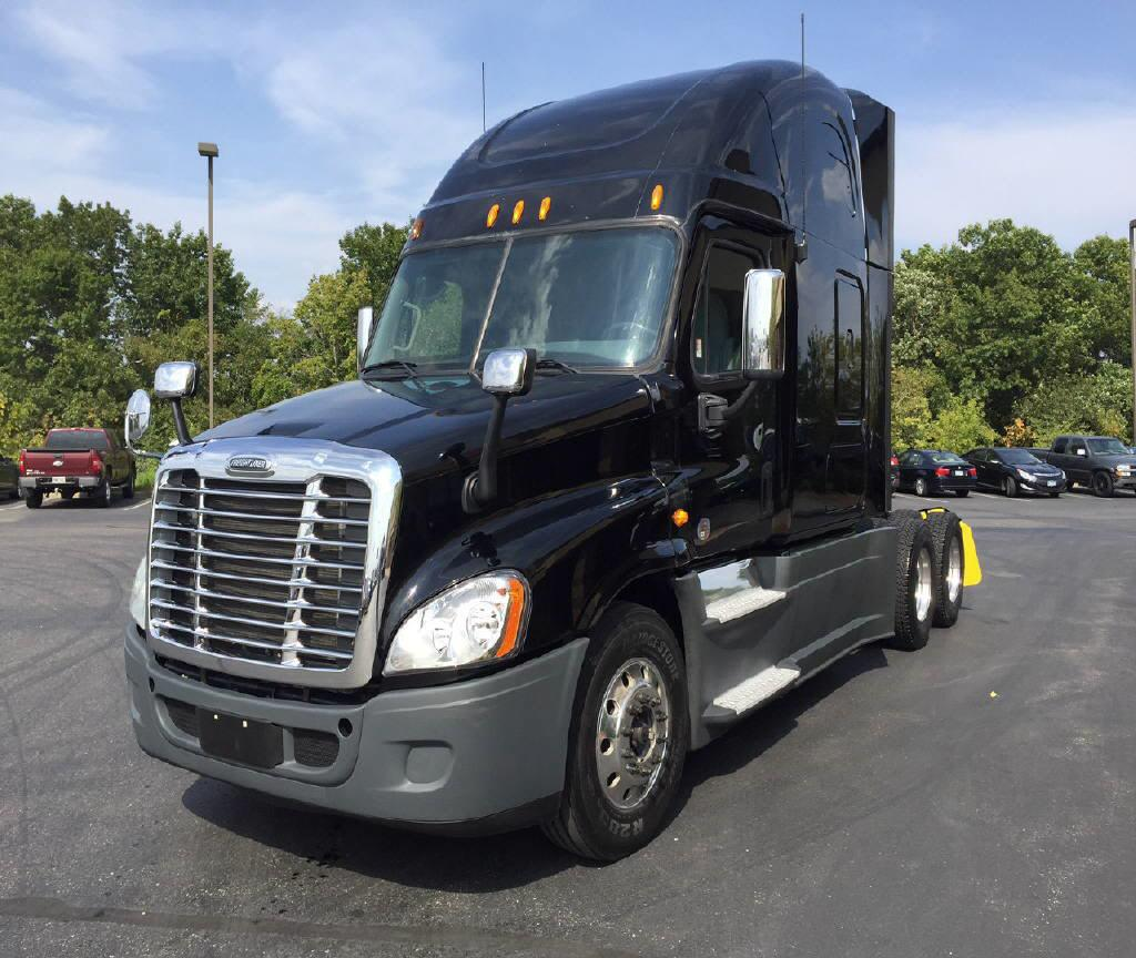 USED 2013 FREIGHTLINER CASCADIA DAYCAB TRUCK #121879