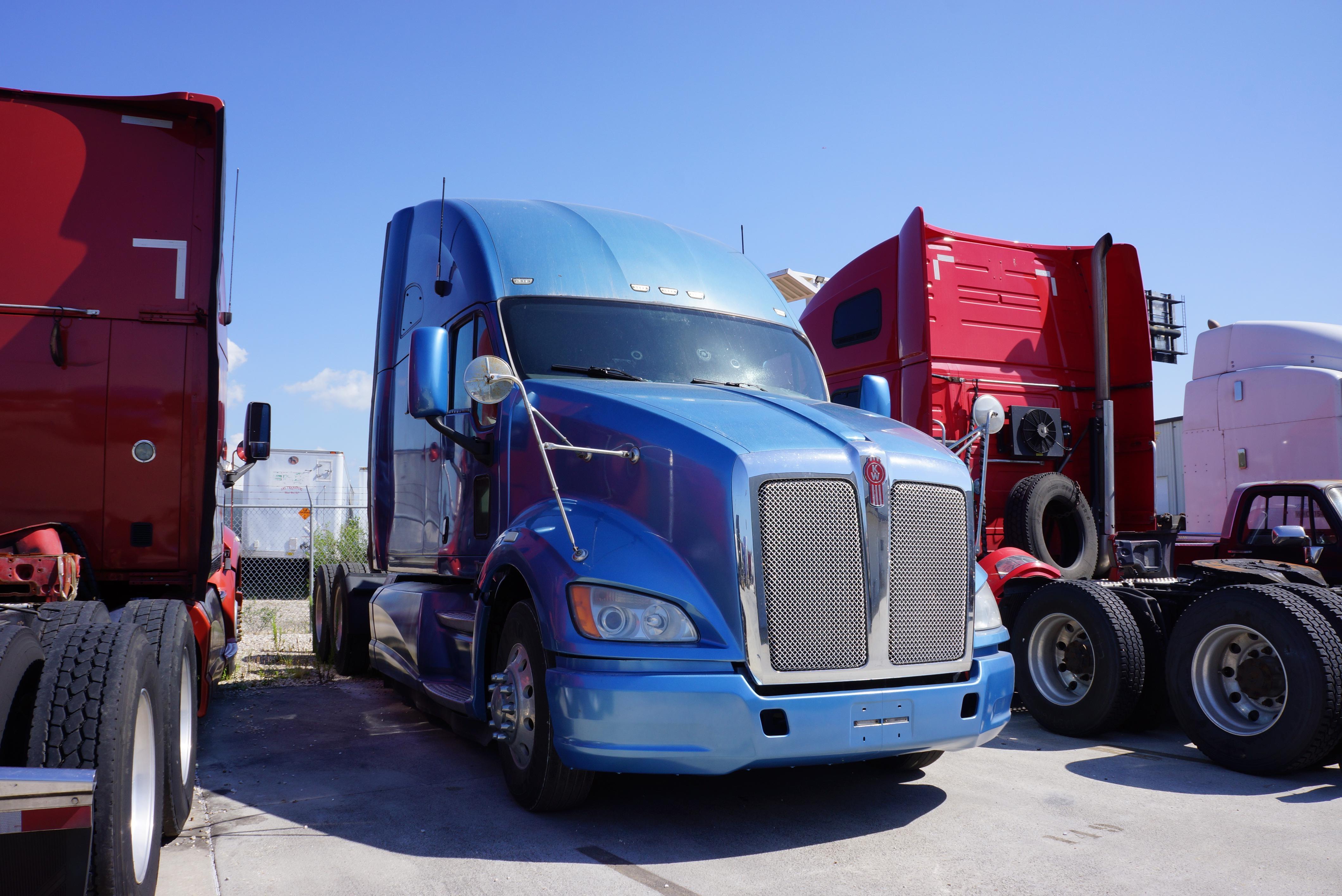Used 2012 Kenworth T700 for sale-59023089