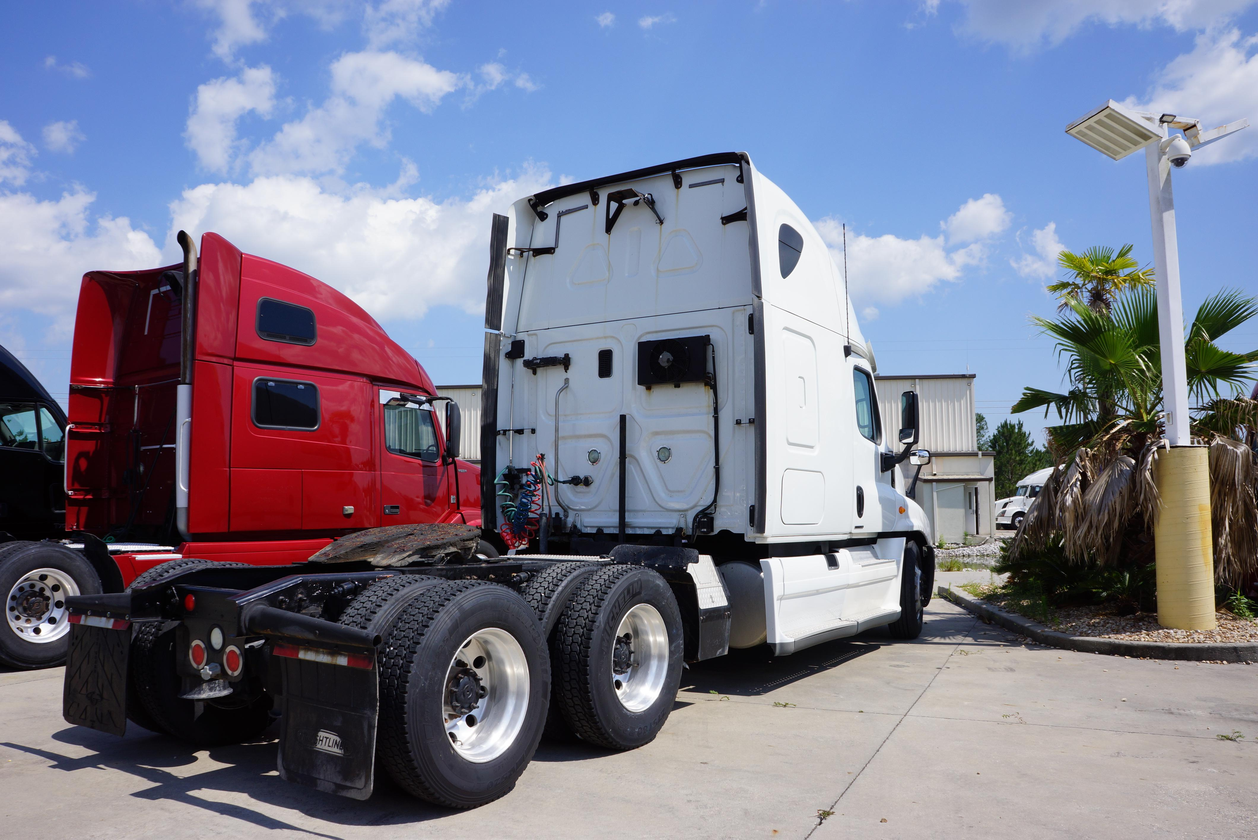 Used 2012 Freightliner Cascadia for sale-59087179