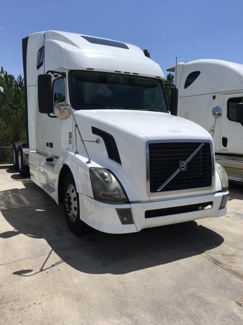 Used 2011 Volvo 670 for sale-59034394