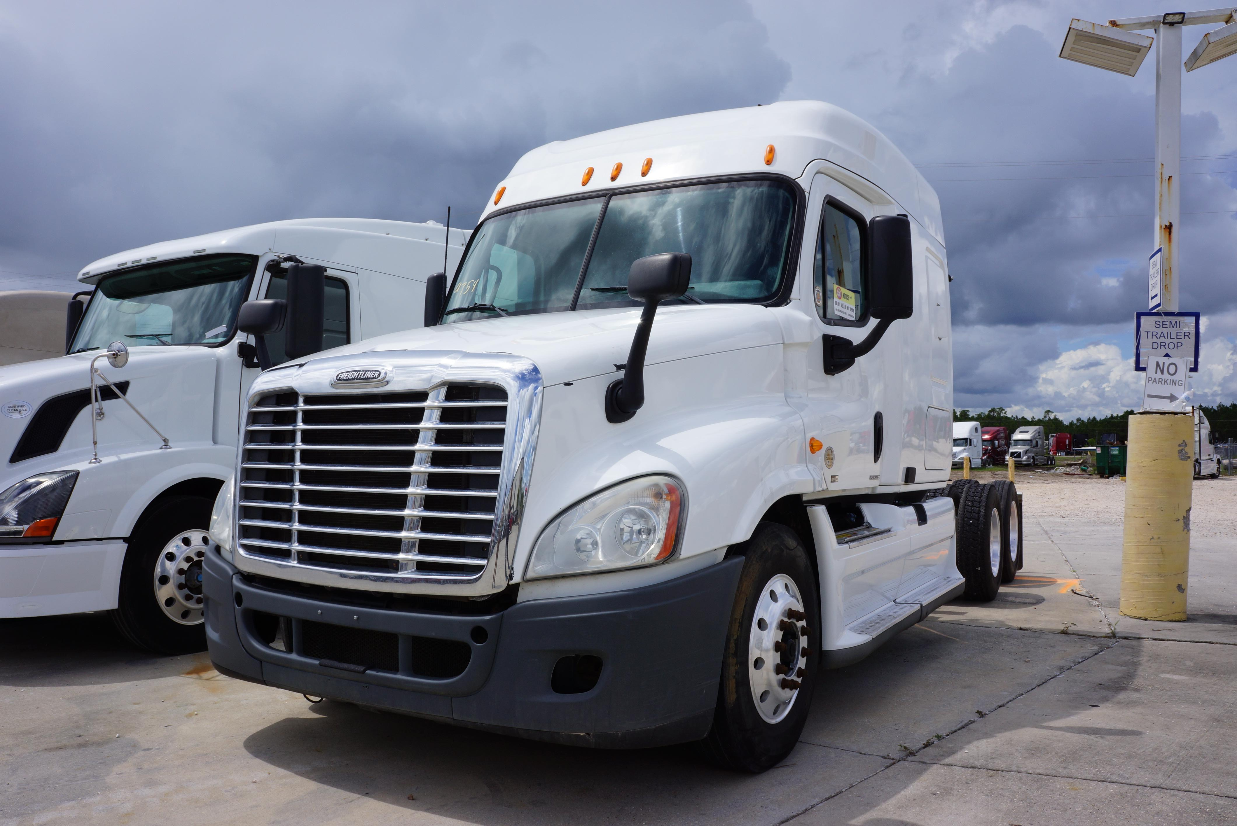 Used 2011 Freightliner Cascadia for sale-59023080