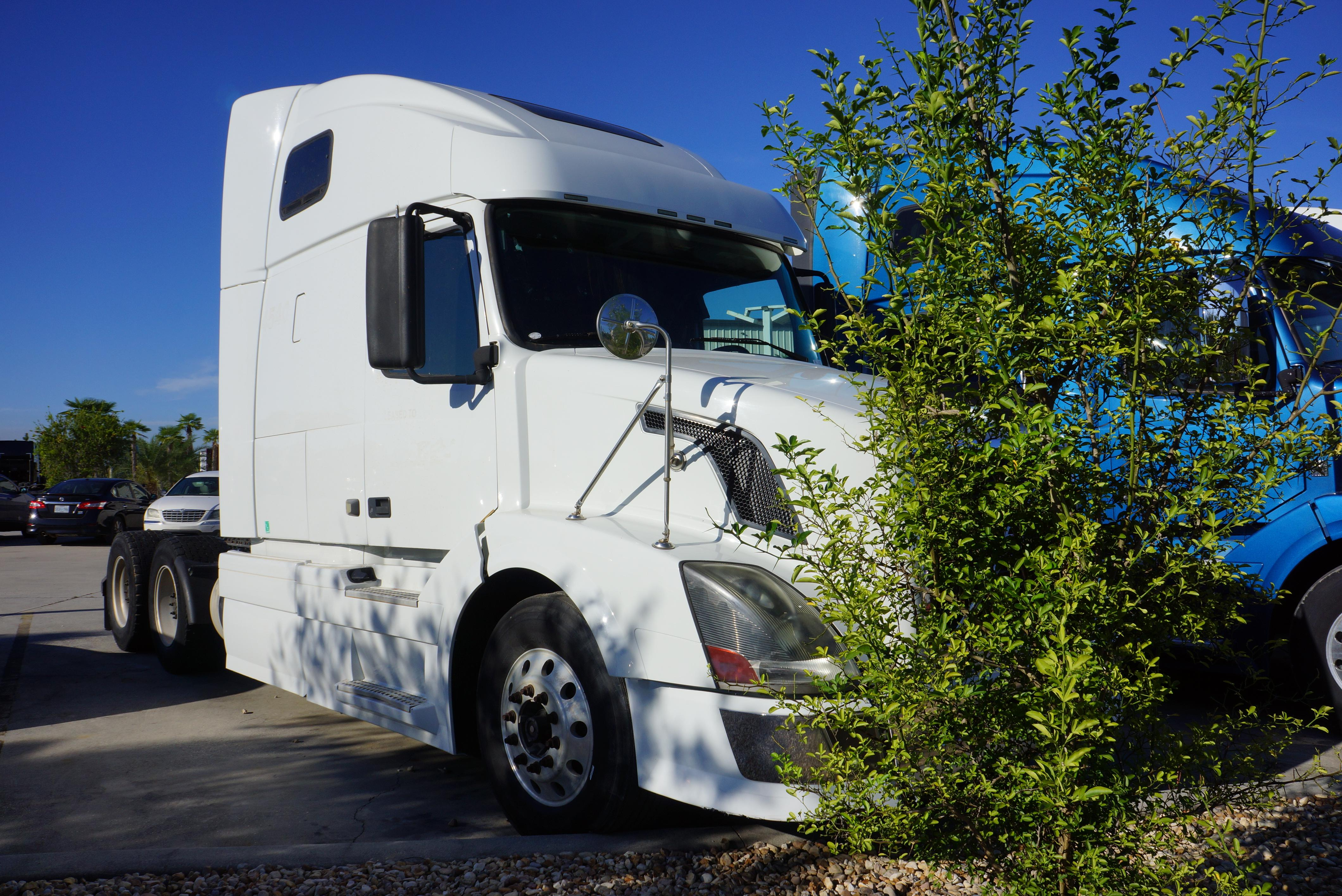 Used 2012 Volvo 670 for sale-59087099