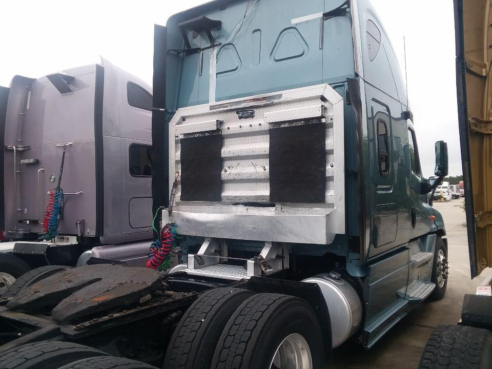 Used 2013 Freightliner Cascadia for sale-59198927
