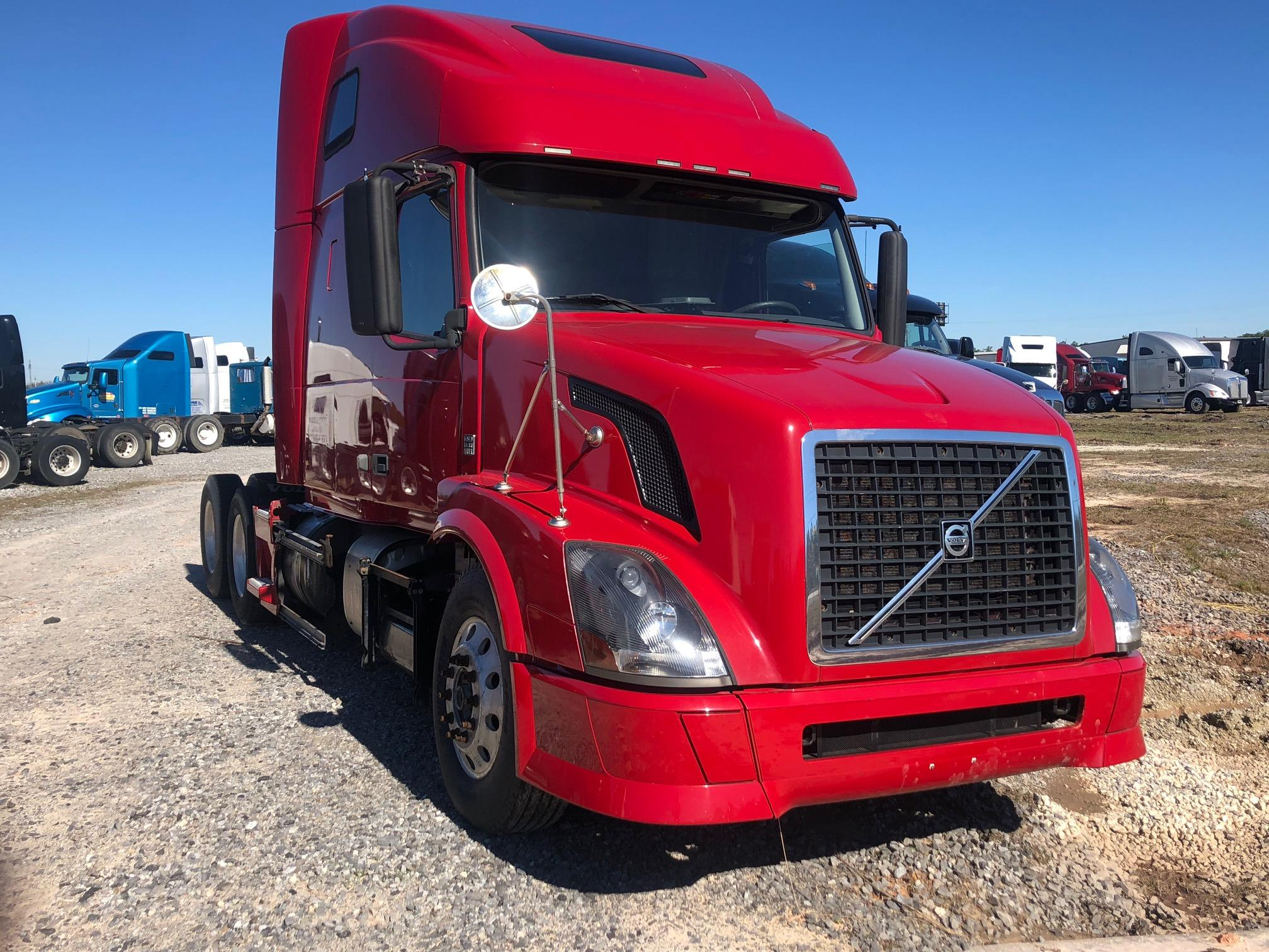 Used 2011 Volvo 670 for sale-59198867
