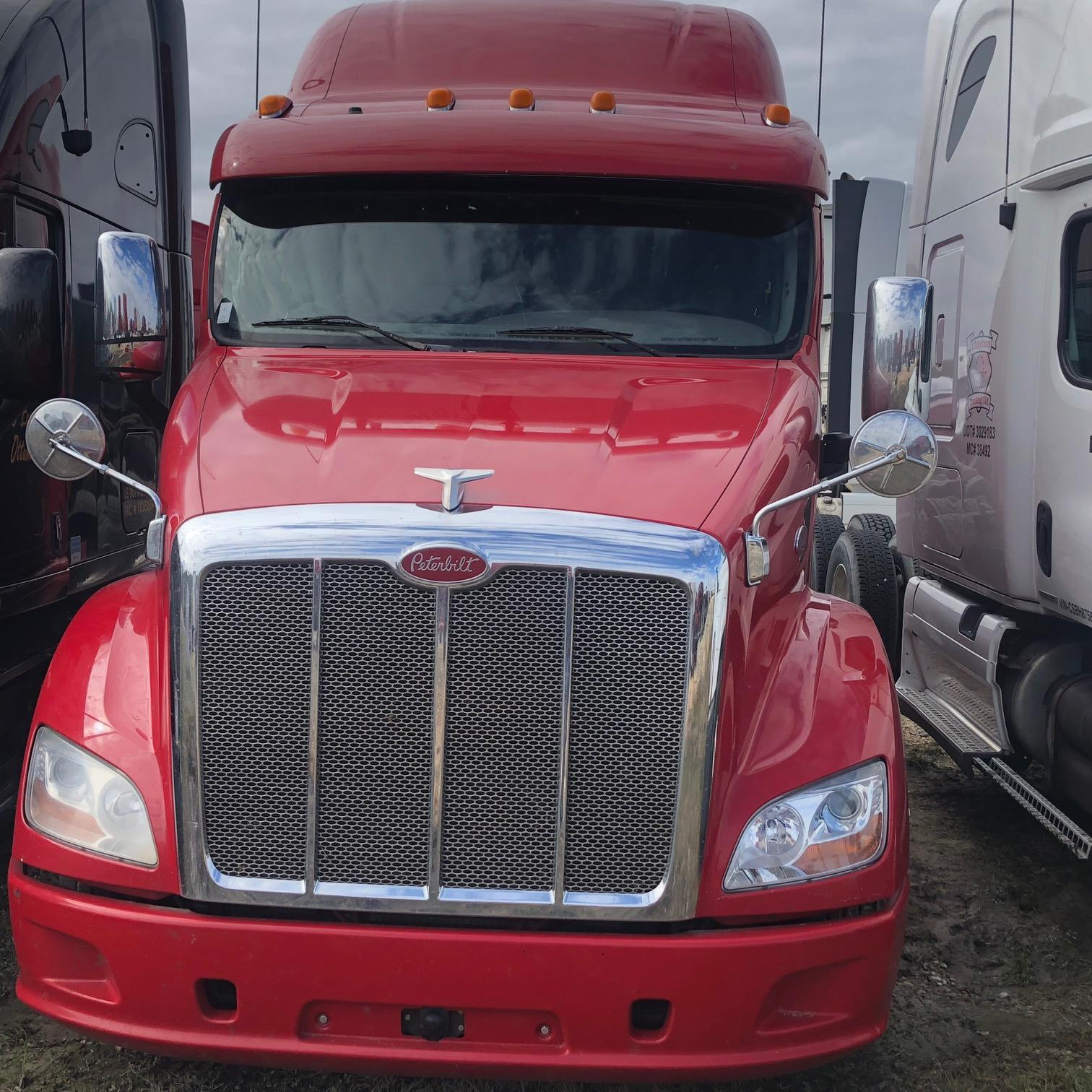 USED 2013 PETERBILT 587 DAYCAB TRUCK #135112