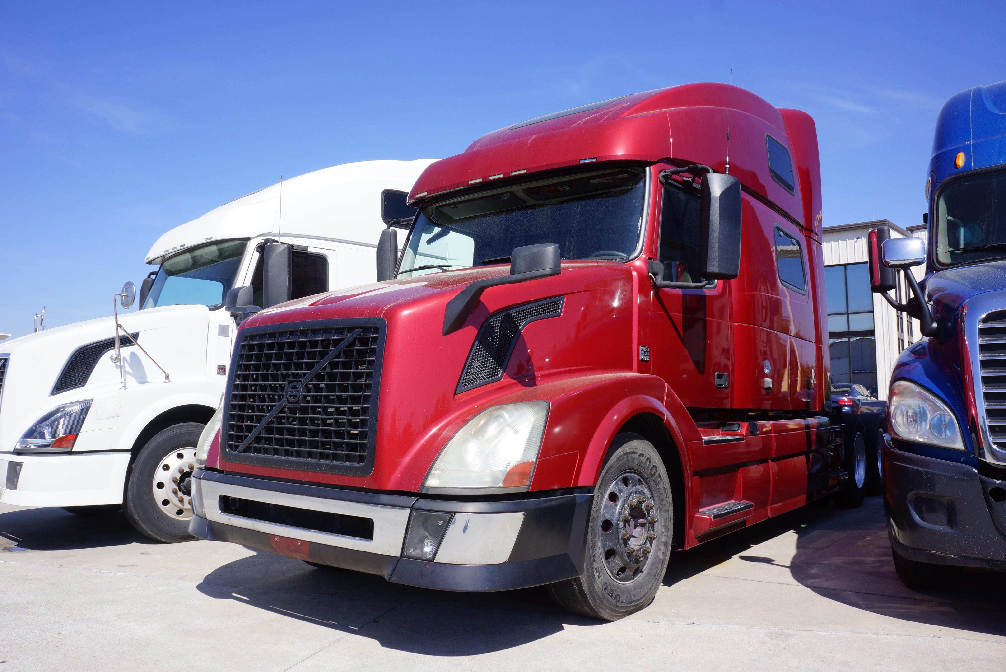 Used 2012 Volvo 780 for sale-59198874