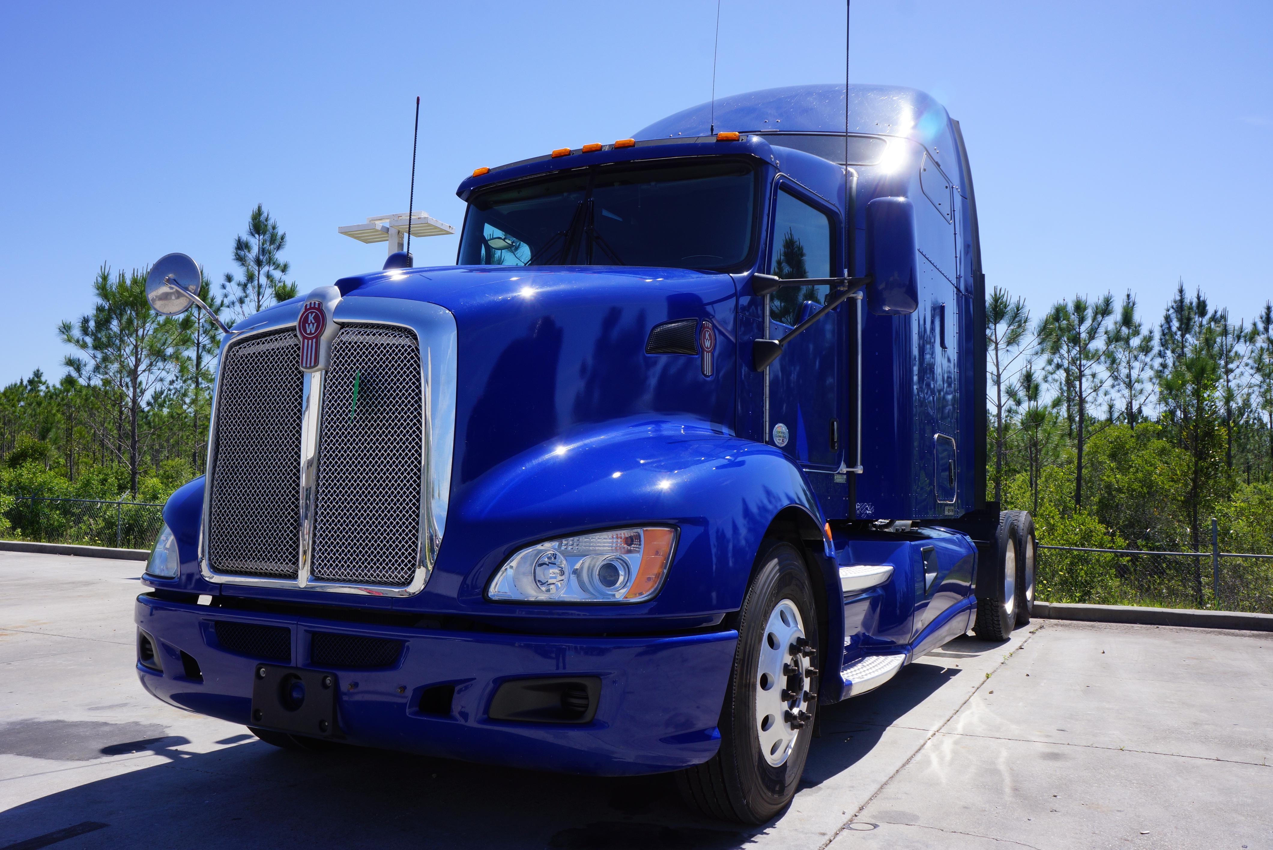 USED 2013 KENWORTH T660 SLEEPER TRUCK #90588