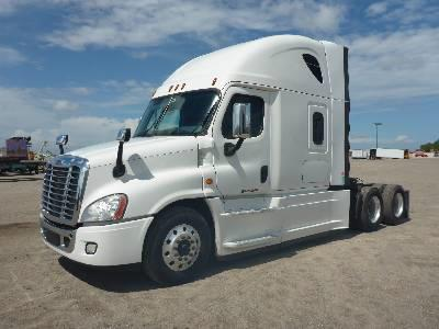 USED 2016 FREIGHTLINER CASCADIA SLEEPER TRUCK #149105