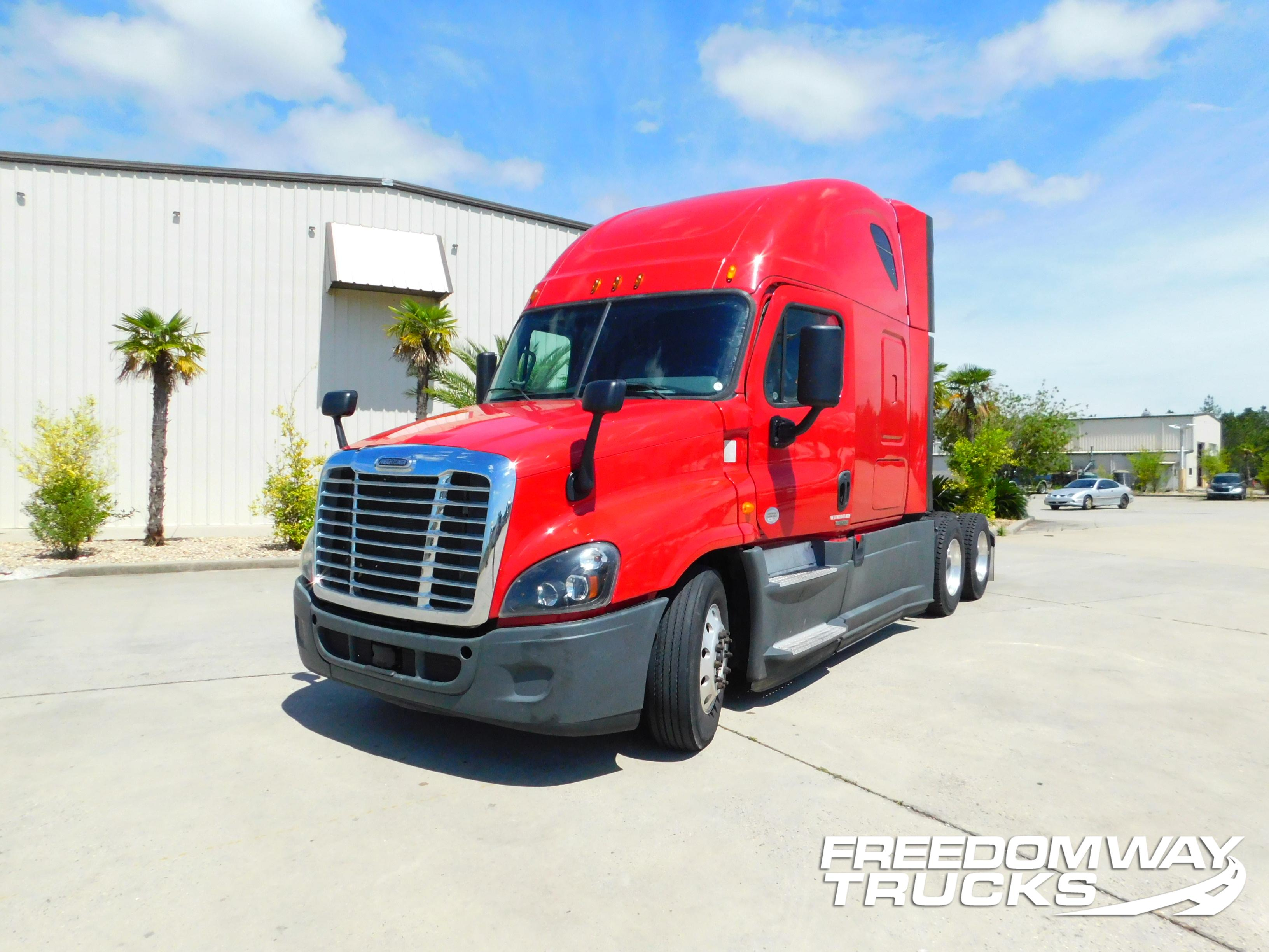 USED 2015 FREIGHTLINER CASCADIA DAYCAB TRUCK #180069